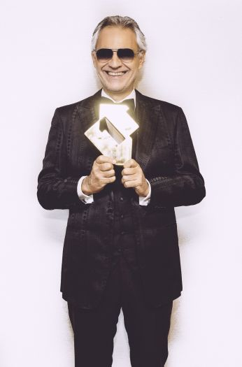 Andrea Bocelli with his Official Number 1 Album Award for Si (credit: Luca Rossetti)